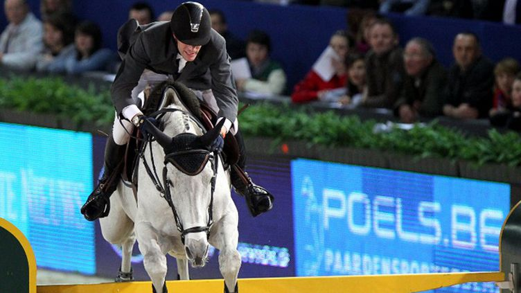 Le cavalier Kevin Staut sur sa monture, Silvana