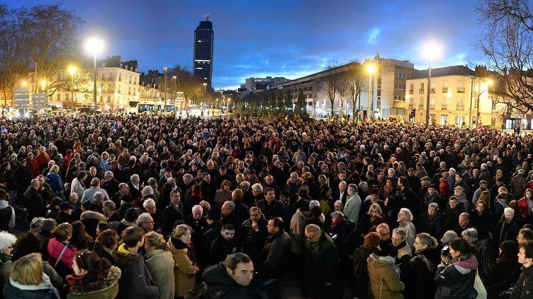 Environ 800 personnes ont répondu à l'appel au rassemblement contre l'antisémitisme dans le centre-ville de Nantes (Loire-Atlantique), mardi 19 février 2019 autour duMonument aux 50-Otages. (MAXPPP)