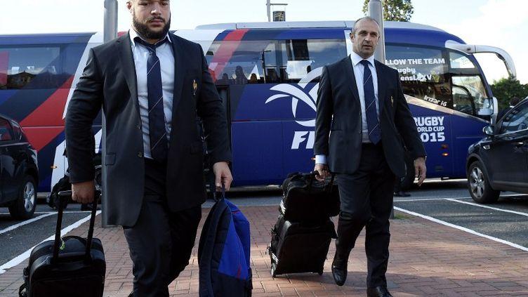 L'équipe de France de Philippe Saint-André, ici avec Rabah Slimani, sont arrivés dans leur camp de base anglais (FRANCK FIFE / AFP)