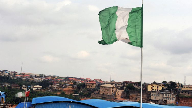 Un drapeau du Nigeria, à Lagos, le 8 septembre 2012. (photo d'illustration) (PIUS UTOMI EKPEI / AFP)