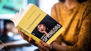 """""""Le consentement"""", de Vanessa Springora, paru en janvier 2020 aux éditions Grasset. (MARTIN BUREAU / AFP)"""