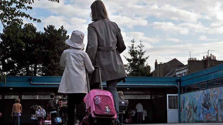 Rentrée des classes à l'école élementaire Moulins-Pergaud, à Lille (Nord), le 5 septembre 2011. (PHILIPPE HUGUEN / AFP)