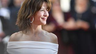 Après six ans d'absence, Sophie Marceau renoue avec le Festival de Cannes. L'actrice a marqué les espritsdanssa robe signée Valentino Couture. (MUSTAFA YALCIN / ANADOLU AGENCY)