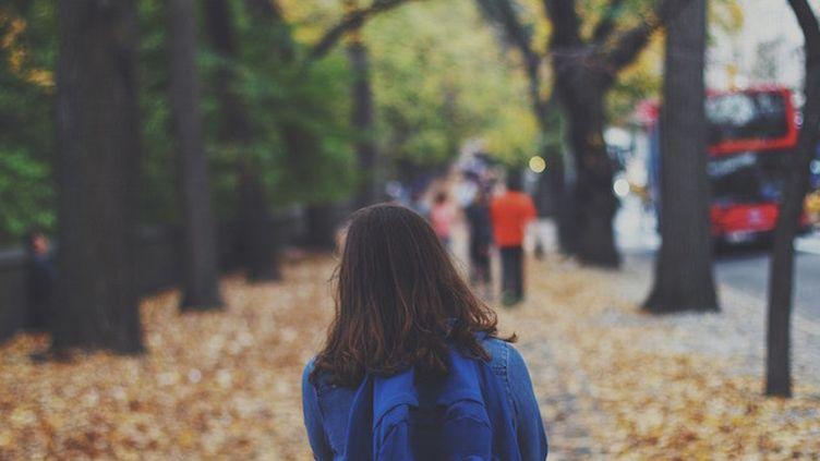 Une hormone au secours des troubles sociaux de l'autisme ? (Crédits Photo : © Pixabay / Free-Photos)