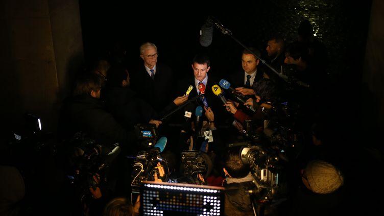 Le ministre de l'Intérieur, Manuel Valls, le 21 novembre 2013 à Paris. (KENZO TRIBOUILLARD / AFP)
