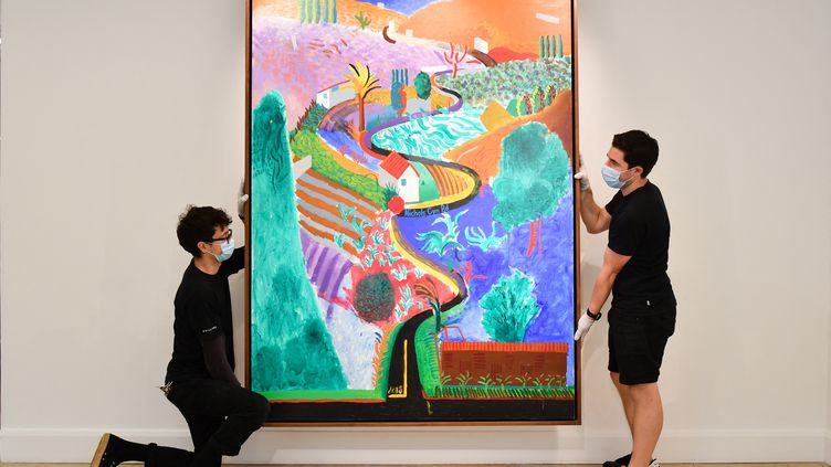"""""""Nichols Canyon"""", oeuvre de David Hockney, maison de vente Phillips, Londres,le 29 octobre 2020 (JUSTIN TALLIS / AFP)"""