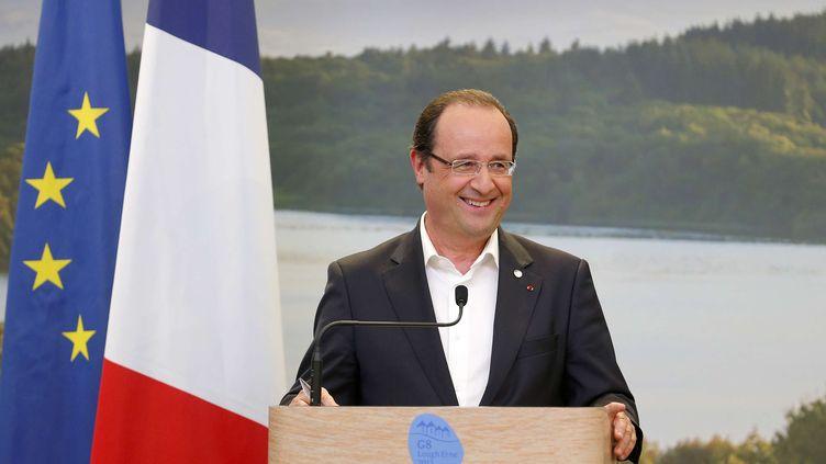François Hollande devant la presse à Enniskillen (Irlande du Nord), le 18 juin 2013. (ANDREW WINNING / AP / SIPA)