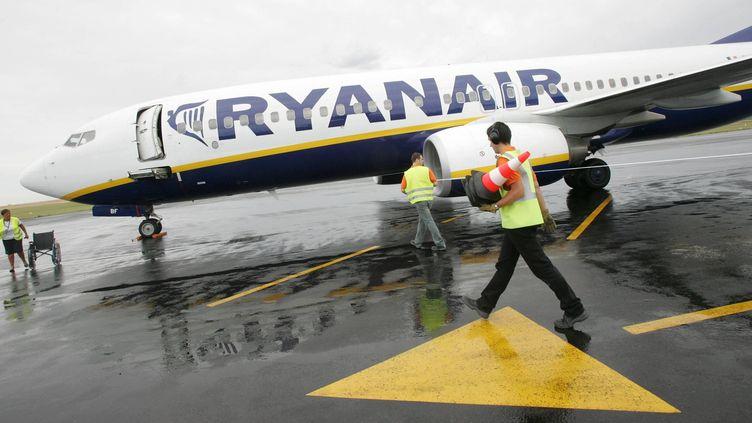 Un avion Ryanair reliant Angoulême (Charente)à Londres (Royaume-Uni), le 2 juillet 2009, àAngoulême. (MAXPPP)