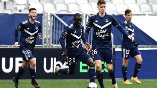 Des joueurs des Girondins de Bordeaux lors d'un entraînement du club de Ligue 1 de football, en janvier 2021. (PHILIPPE LOPEZ / AFP)