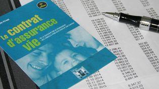 Dossier d'assurance vie. (MAXPPP)