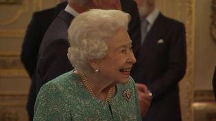 Royaume-Uni : la population s'inquiète de l'état de santé de la reine Elizabeth II. (FRANCE 2)