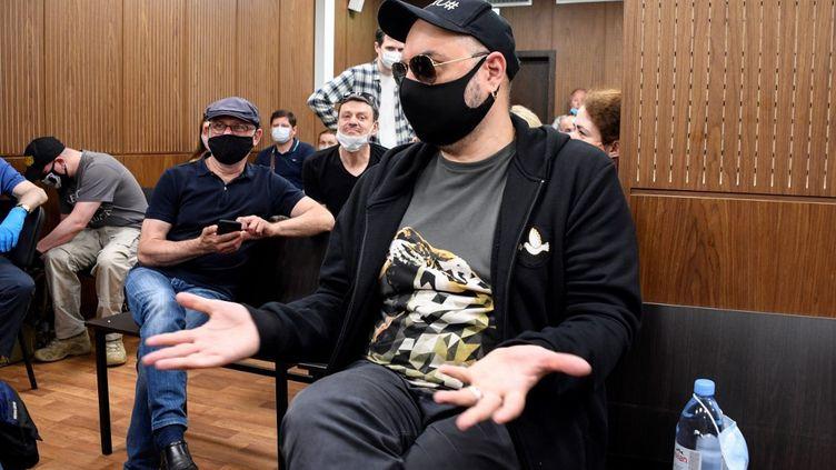 Le metteur en scène et réalisateur russe Kirill Serebrennikov lors de sa comparution au Palais de justice de Moscou le 26 juin 2020. (ALEXANDER NEMENOV / AFP)
