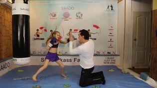 Un extrait de la vidéo montrant les capacités de la jeuneEvnika Sadvakassova, 7 ans, et future championne de boxe. ( YOUTUBE)