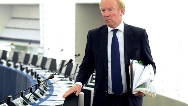 Brice Hortefeux au Parlement de Strasbourg, le 5 avril 2011. (PATRICK HERTZOG / AFP)