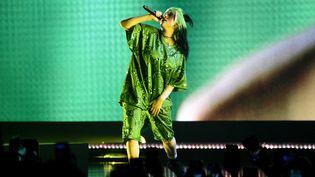 La chanteuse californienne Billie Eilish, sur scène à Miami lundi 9 mars 2020, lors du coup d'envoi de sa tournée Where do we go? (KEVIN MAZUR / GETTY IMAGES NORTH AMERICA)