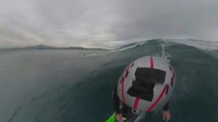 Capture d'écran du film immersif sur la vague Belharra (FRANCE 3)