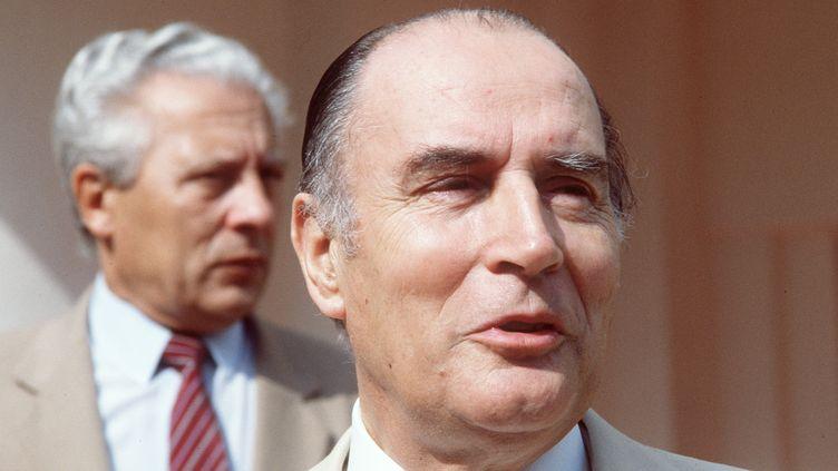 Le président de la République, François Mitterrand lors d'un voyage au Burundi le 06 octobre 1982 (PIERRE GUILLAUD / AFP)