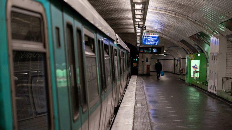 Le métro parisien le 17 octobre 2020. (ABDULMONAM EASSA / AFP)