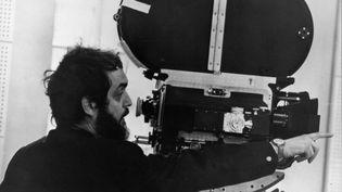 """Stanley Kubrick sur le tournage de """"Orange mécanique"""" (1971) (ARCHIVES DU 7EME ART)"""