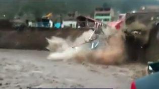 Pérou : 11 000 personnes sinistrées à cause de pluies diluviennes (FRANCE 3)
