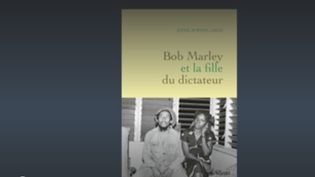 """Anne-SophieJahn, journaliste au Point, est l'invitée du23hdeFranceinfo.Elle est l'auteure de""""Bob Marley et la fille du dictateur""""paru chez Grasset, qui conte l'histoire d'amour cachée entre Pascaline Bongo et Bob Marley. (FRANCEINFO)"""