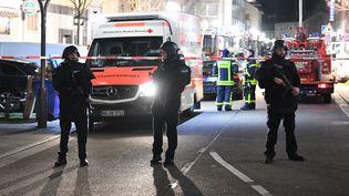 La police intervient sur le site d'une fusillade mortelle à Hanau, en Allemagne, le 20 février 2020. (BORIS ROSSLER / DPA / AFP)