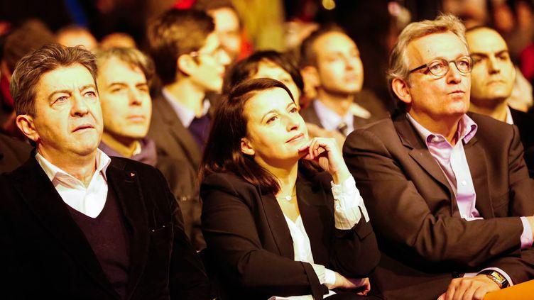 Jean-Luc Mélenchon, Cécile Duflot et Pierre Laurent, le 19 janvier 2015 lors du meeting de soutien à Syriza organisé au gymnase Japy, à Paris. (JALLAL SEDDIKI / CITIZENSIDE.COM / AFP)