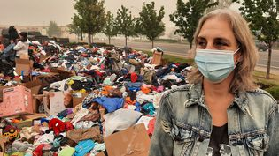 Melissa, une habitante de Phoenix dans l'Oregon qui a perdu sa maison dans les incendies qui frappent la région, le 15 septembre 2020. (BENJAMIN  ILLY / RADIO FRANCE)