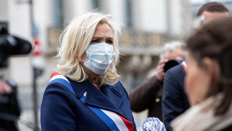 Marine Le Pen lors de son hommage à Jeanne d'Arc, le 1er mai 2020. (CHRISTOPHE MORIN / MAXPPP)