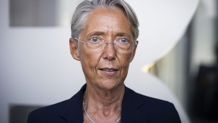 La ministre du Travail, Elisabeth Borne, participait à la rentrée des apprentis du CFA BTP de Rueil-Malmaison, le 3 septembre 2021. Photo d'illustration. (ALEXIS SCIARD / MAXPPP)