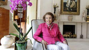 Liliane Bettencourt, dans sa maison de Neuilly-sur-Seine (Hauts-de-Seine), le 11 juin 2011. (ERIC DESSONS/JDD/SIPA)