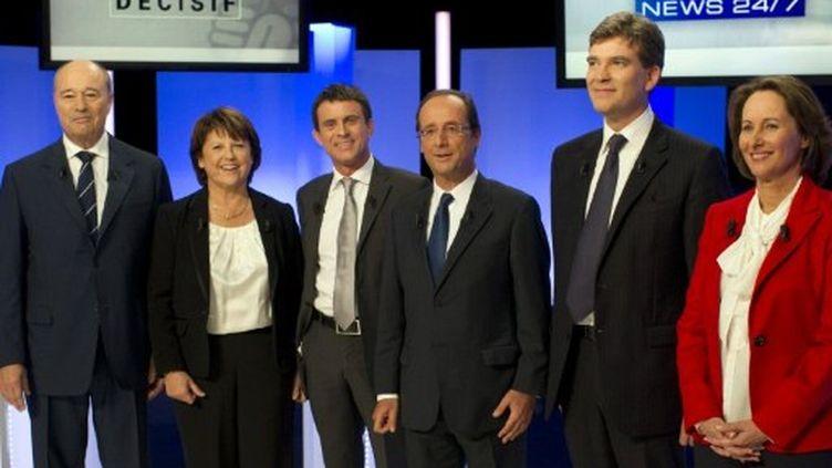 Les candidats à la primaire PS, le 5 octobre 2011, sur le plateau de BFM-TV (FRED DUFOUR / AFP POOL / AFP)