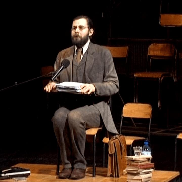 """Gabriel Dufay est le pofesseur Winch dans """"L'homme qui se hait"""" de Denis Podalydès  (France3 / Culturebox)"""