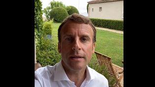 Emmanuel Macron dans une vidéo publiée sur son compte Instagram le 5 août 2021. (CAPTURE D'ECRAN INSTAGRAM / EMMANUEL MACRON)