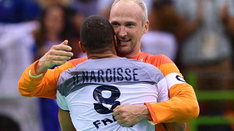 Après seize ans sous le maillot Bleu, Thierry Omeyer et Daniel Narcisse mettent fin à leur carrière internationale (LUKAS SCHULZE / DPA)