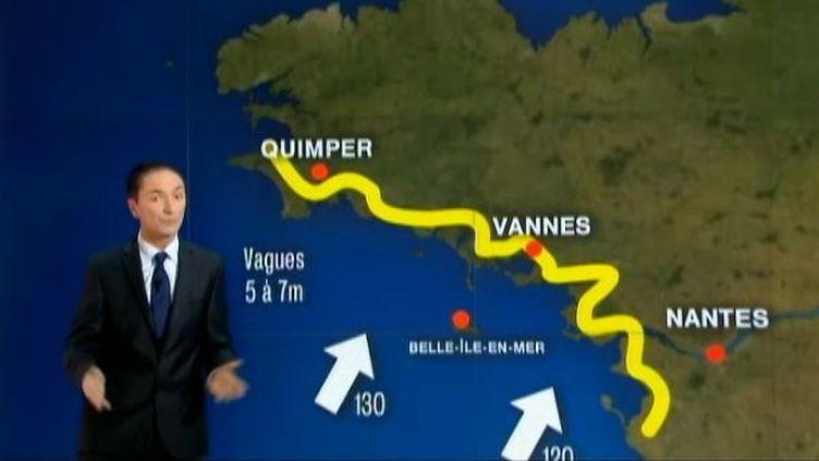 Capture d'écran - le 22 décembre 2013 -Philippe Verdier du service météo de France 2 nous explique les déplacements des rafales en France ( FRANCE 2 / FRANCETV INFO)
