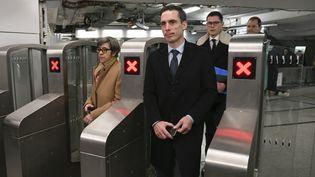 Le secrétaire d'Etat aux Transports, Jean-Baptiste Djebbari, visite une station du métro parisien, le 5 décembre 2019. (GILLES ROLLE / REA)