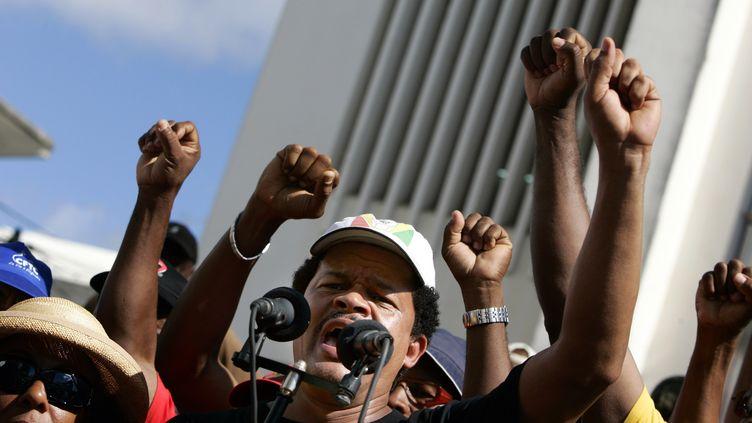 Le leader du LKP, Elie Domota, le 9 janvier 2010 à Pointe-à-Pitre, en Guadeloupe. (JULIEN TACK / AFP)