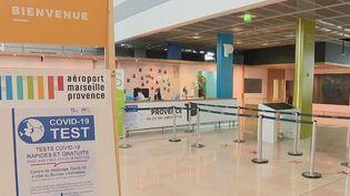 Aéroport de Marseille : des tests antigéniques mis à disposition des voyageurs (France 2)