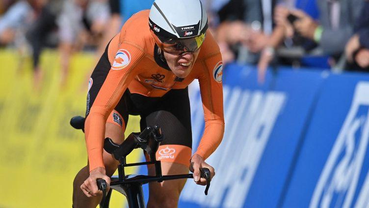 La Néerlandaise Ellen Van Dijk a remporté le titre du contre-la-montre individuel des Championnats du monde, lundi 20 septembre. (DIRK WAEM / AFP)