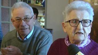André et Mireille, mariés depuis 70 ans, fêtent leurs noces de platine. (FRANCE 3)
