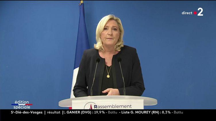 La présidente du Rassemblement national, Marine Le Pen, dimanche 15 mars 2020. (FRANCE 2)