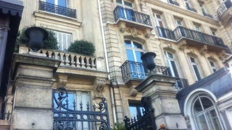 Quai Anatole France. Dans une cour de l'immeuble, le Qg de Nicolas Dupont-Aignan (DR)
