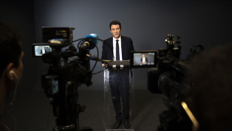 Benjamin Griveaux annonce qu'il renonce à sa candidature à la mairie de Paris, le 14 février 2020. (LIONEL BONAVENTURE / AFP)