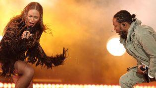 Beyoncé et Kendrick Lamar en ouverture des BET Awards le 26 juin 2016 à Los Angeles.  (Matt Sayles/AP/SIPA)