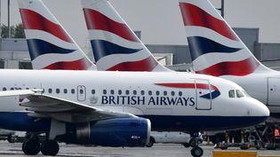 Des avions de la compagnie British Airways, à l'aéroport d'Heathrow à Londres, le 3 mai 2019. (BEN STANSALL / AFP)