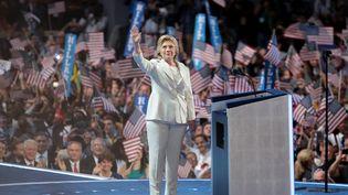 Hillary Clinton, candidate à la Maison Blanche, s'exprime en clôture de la convention démocrate à Philadelphie (Etats-Unis), le 28 juillet 2015. (DREW ANGERER / GETTY IMAGES NORTH AMERICA / AFP)