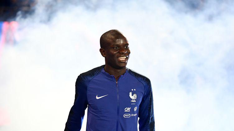 Le milieu de terrain français N'Golo Kanté,lors d'une cérémonie célébrant la victoirede l'équipe de France en Coupe du monde, le 9 septembre 2018 à Saint-Denis (Seine-Saint-Denis). (FRANCK FIFE / AFP)