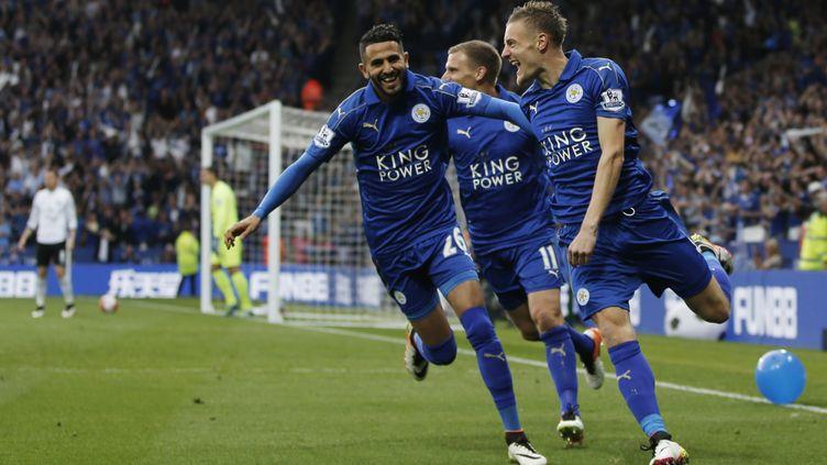 Jamie Vardy et Ryad Mahrez, les deux joyaux de Leicester (ADRIAN DENNIS / AFP)