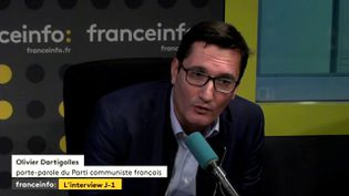"""Olivier Dartigolles, porte-parole du PCF, invité de """"L'Interview J-1"""", jeudi 14 septembre 2017. (FRANCEINFO)"""